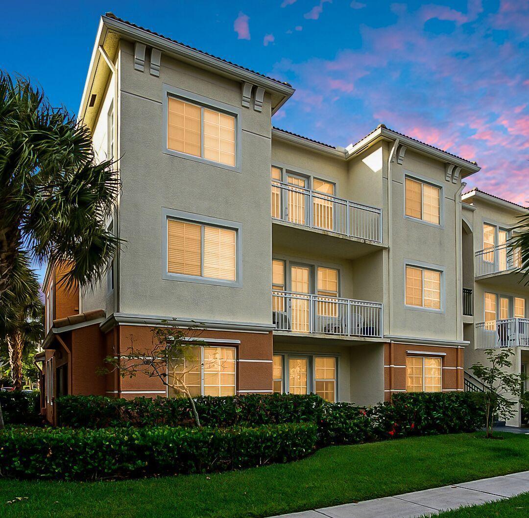 9845 Baywinds Drive 6108 West Palm Beach, FL 33411