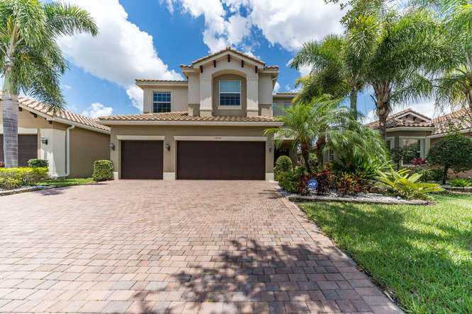 10540 Palacio Ridge Court  Boynton Beach, FL 33473