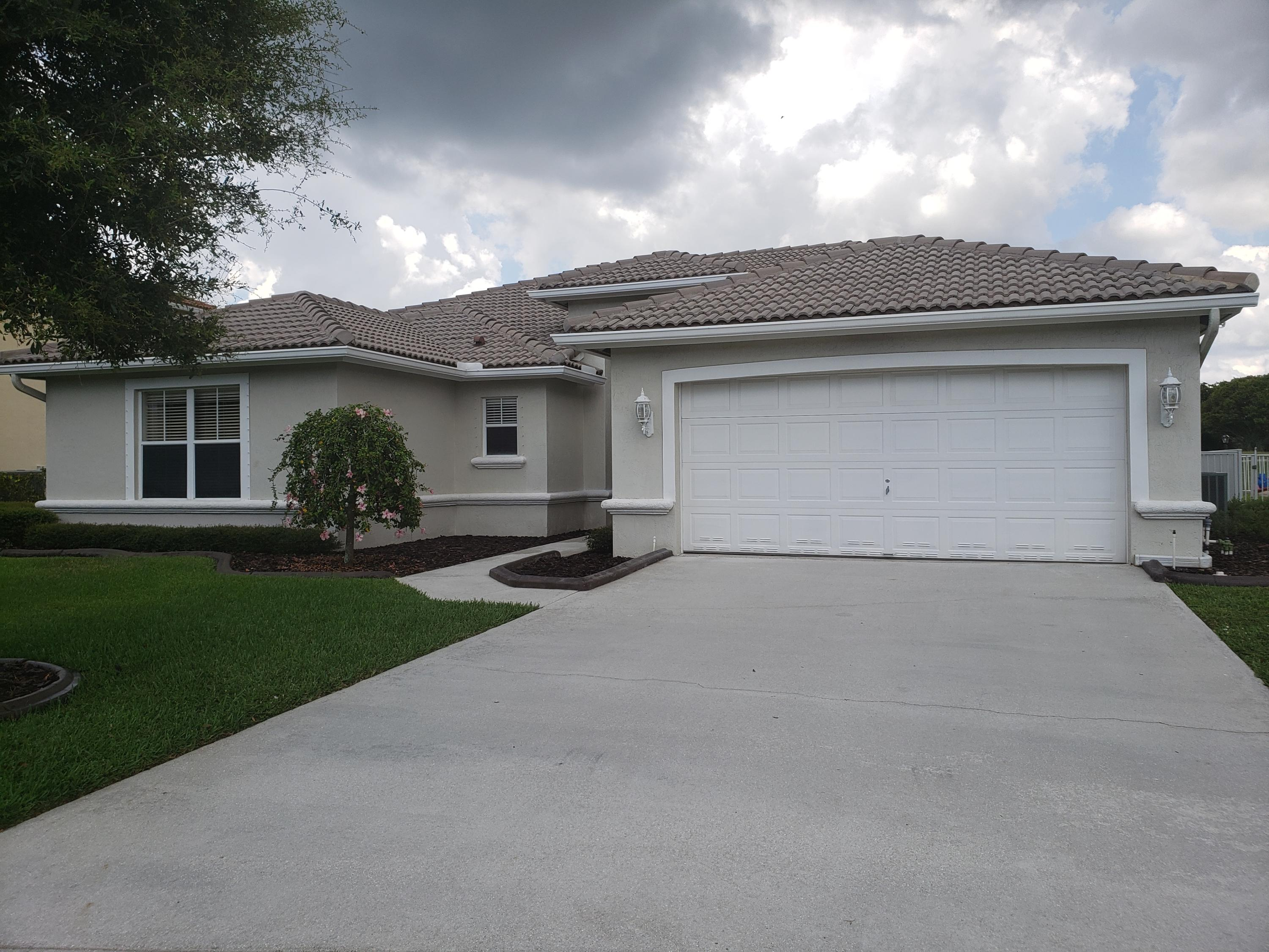 5786 La Gorce Circle Circle Lake Worth, FL 33463