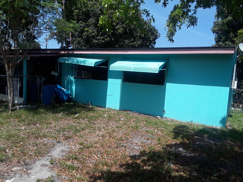 813 SW 11th Avenue  Delray Beach, FL 33444