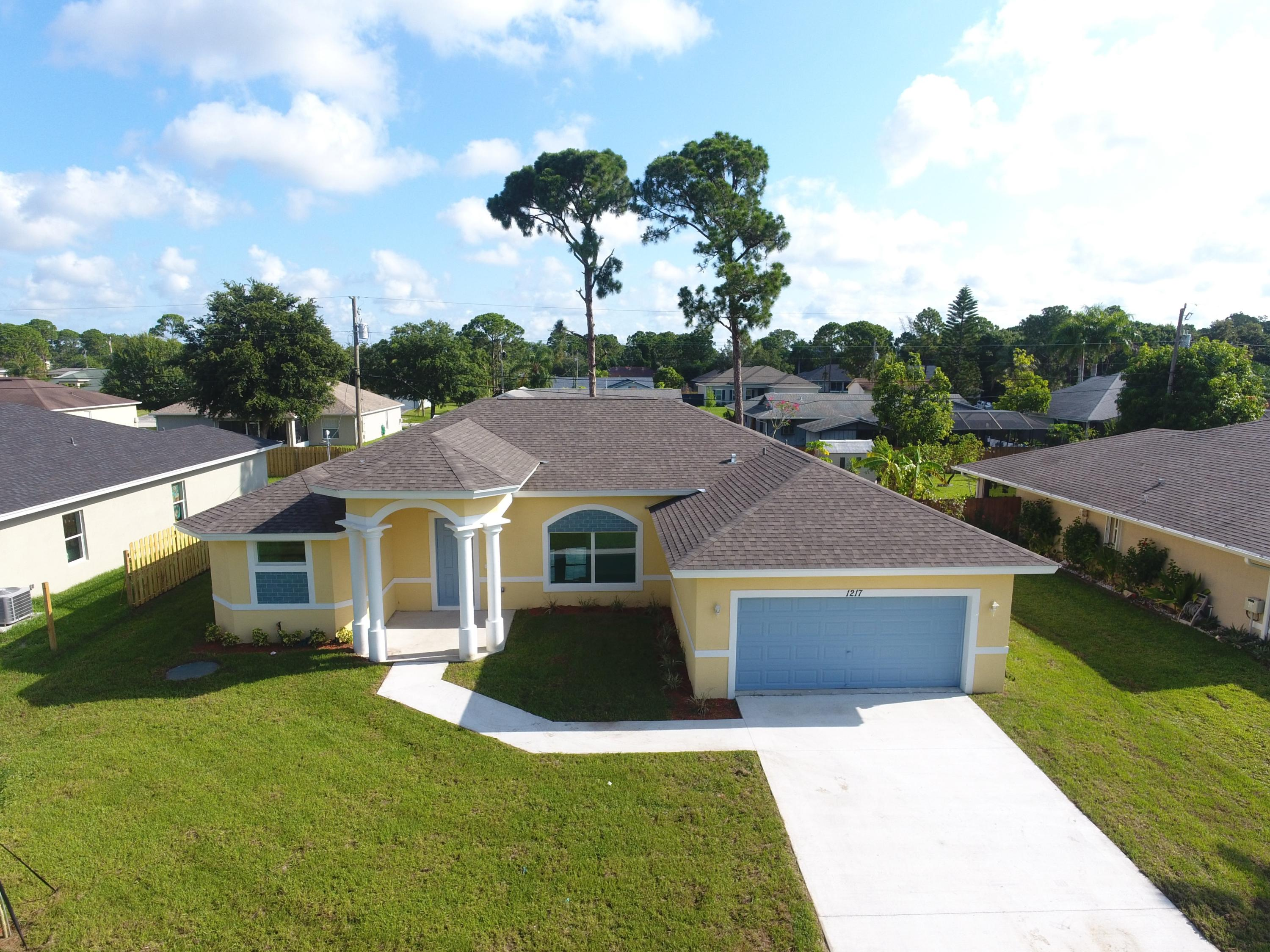 Photo of 1217 SW Albenga Avenue, Port Saint Lucie, FL 34953