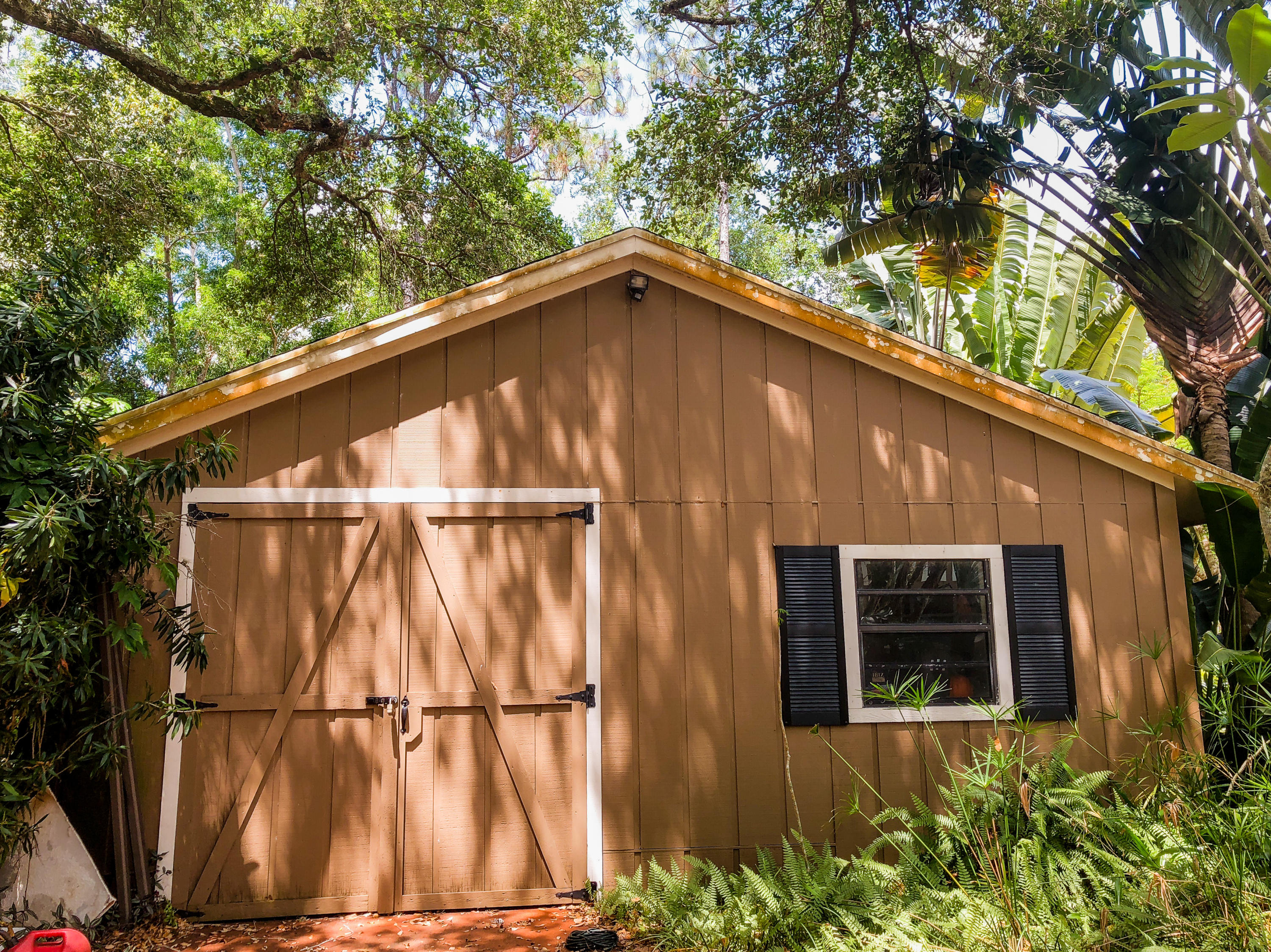 PALM BEACH LITTLE RANCHES NO 2UNREC ON AM 46  TR 30-C AS IN OR9925P880