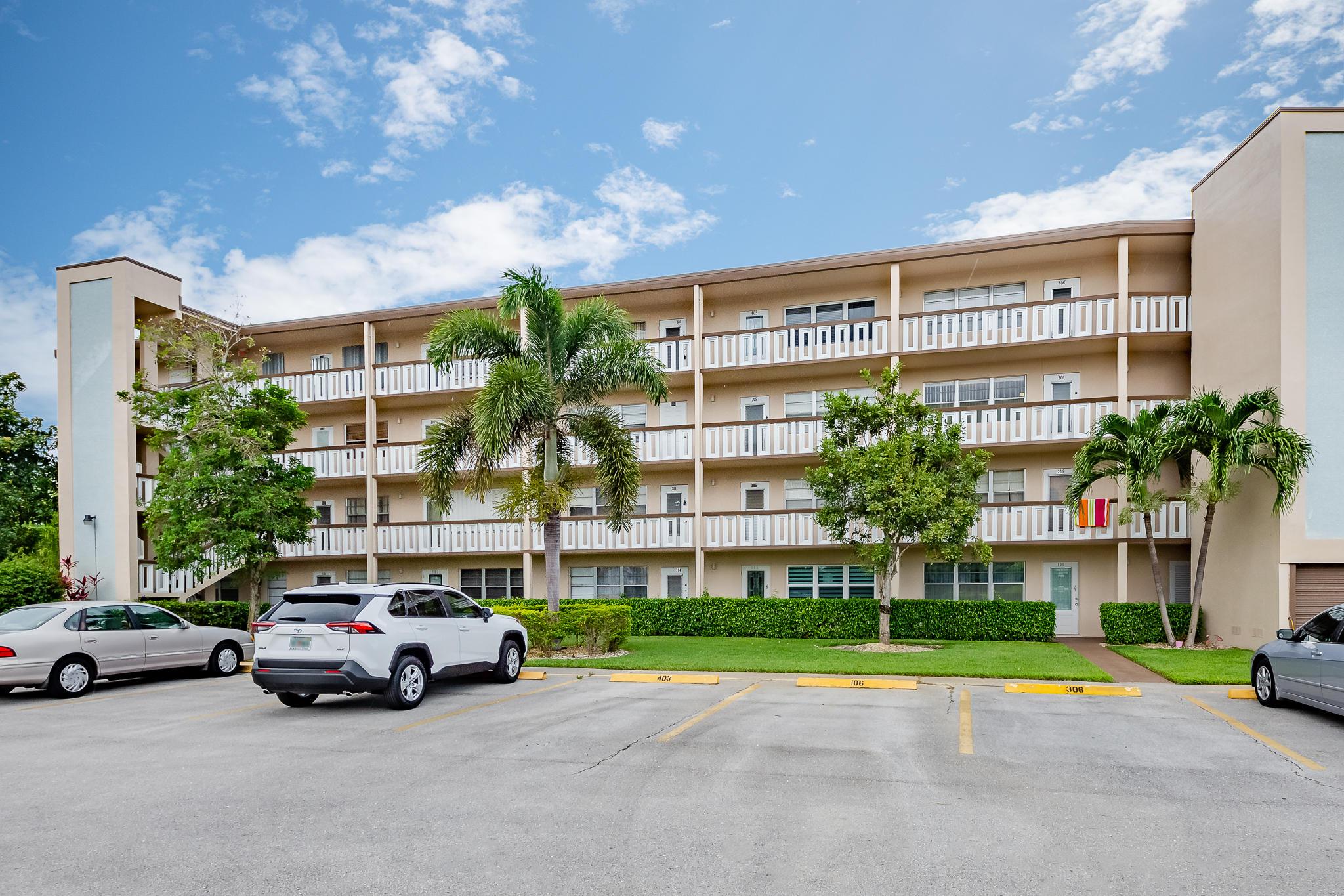 402 Southampton A West Palm Beach, FL 33417