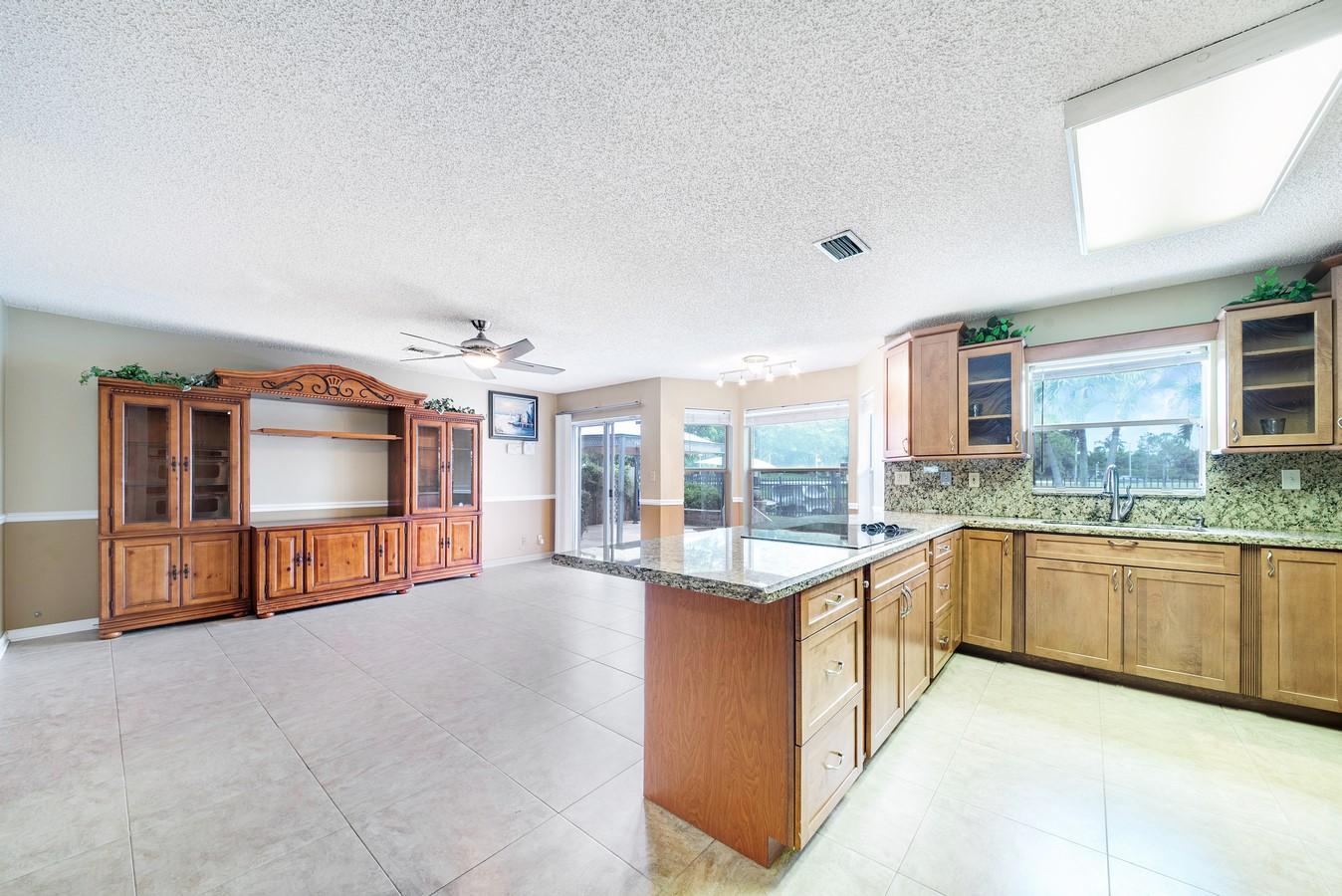 8632 Tourmaline Boulevard Boynton Beach, FL 33472 photo 13