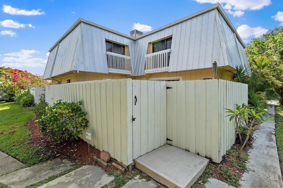 New Home for sale at 141 Riverside Drive in Jupiter