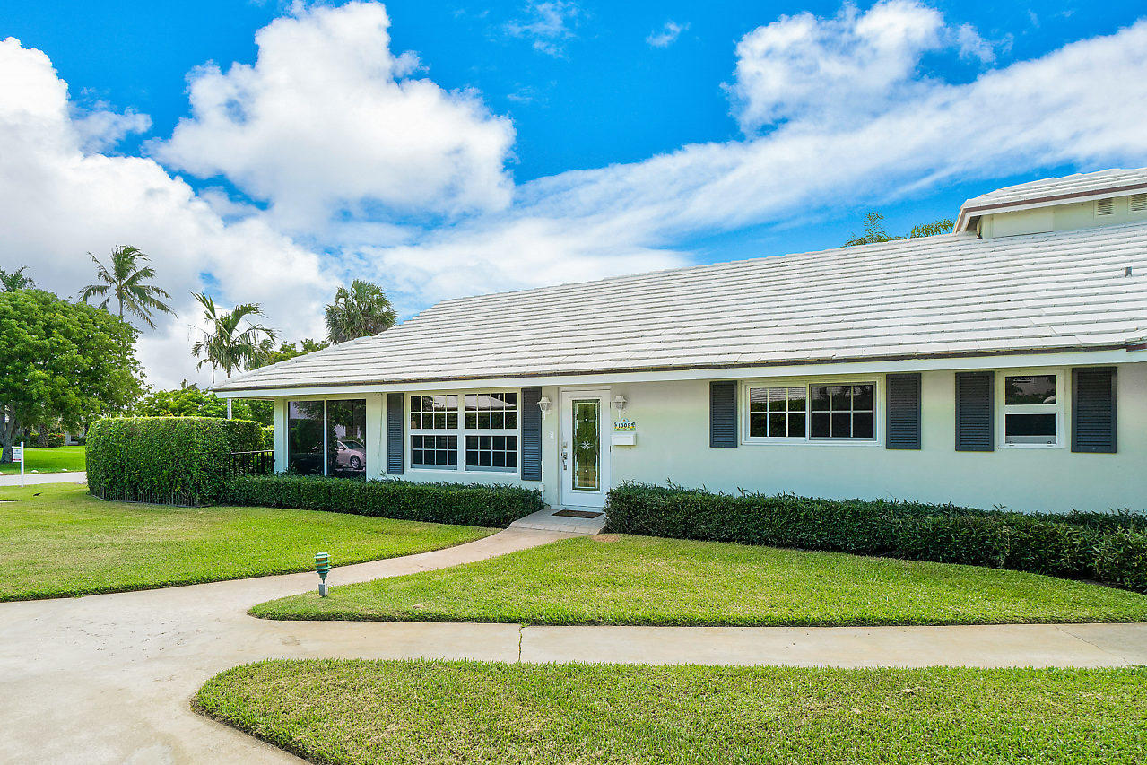 1009 Langer Way, Delray Beach, Florida 33483, 2 Bedrooms Bedrooms, ,2 BathroomsBathrooms,Villa,For Sale,Langer,RX-10537089