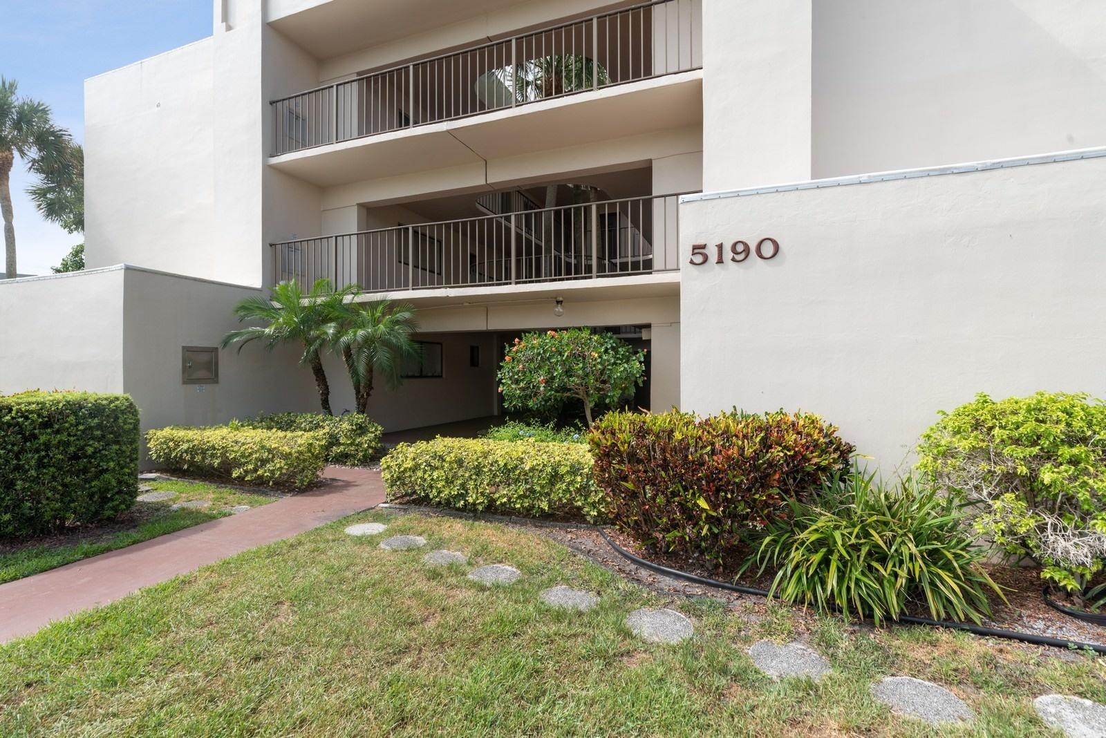 5190 Las Verdes Circle 324  Delray Beach, FL 33484