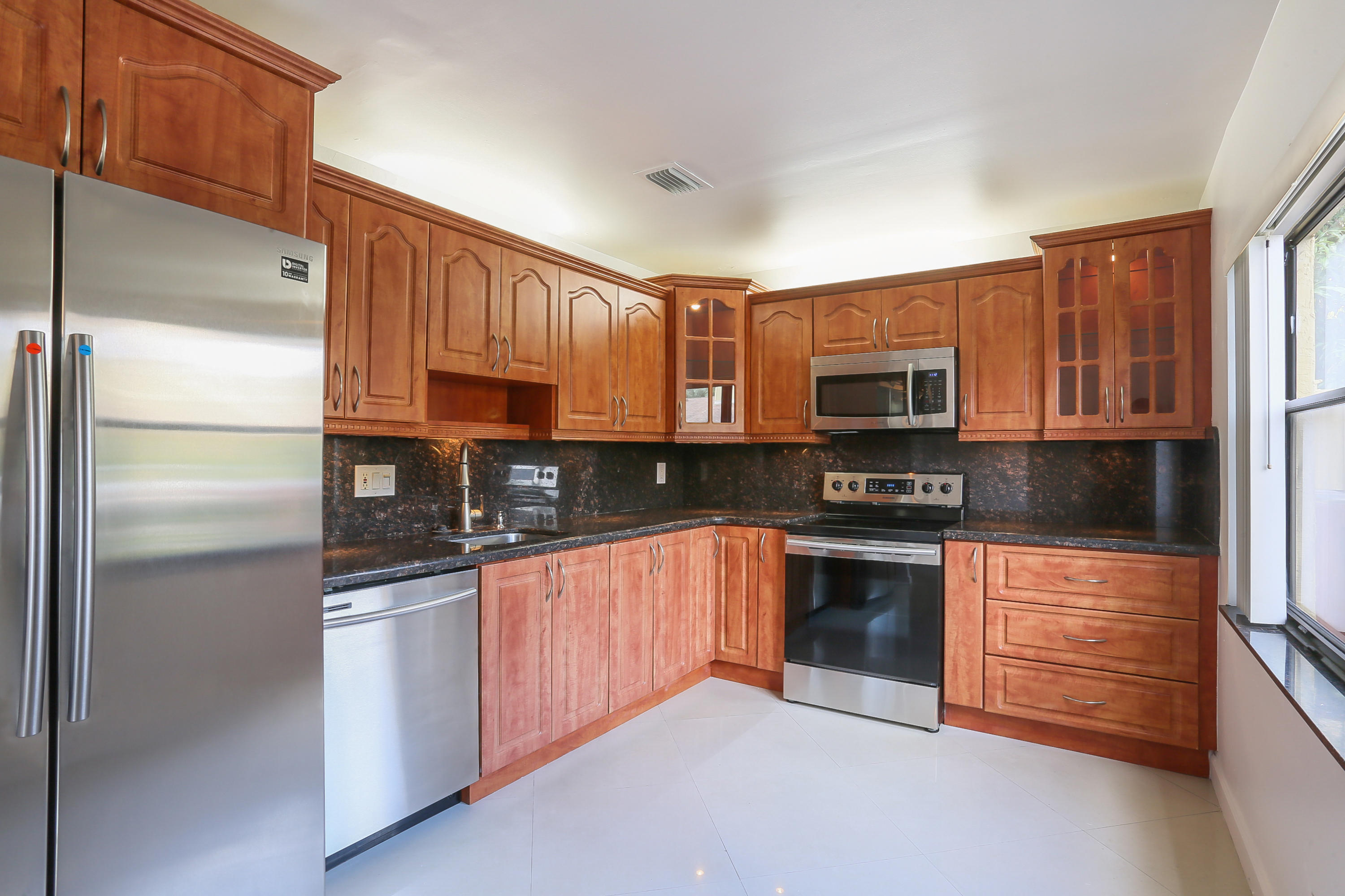 Photo of home for sale at 5186 Jog Lane, Delray Beach FL