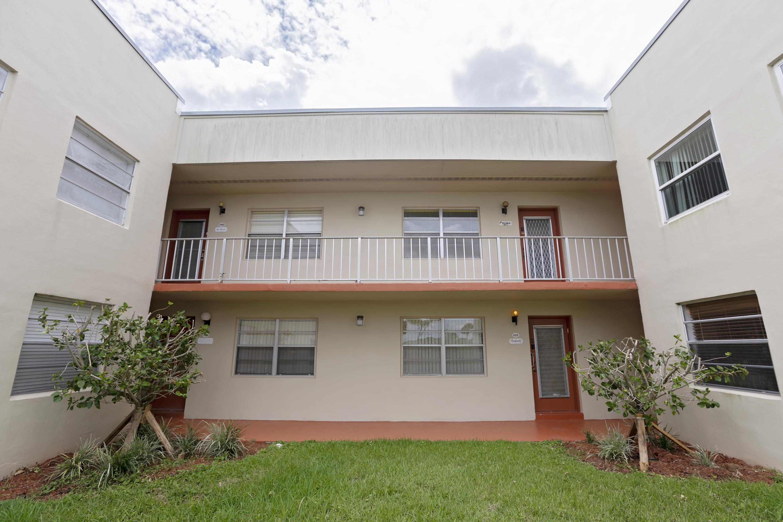835 Flanders R  Delray Beach, FL 33484