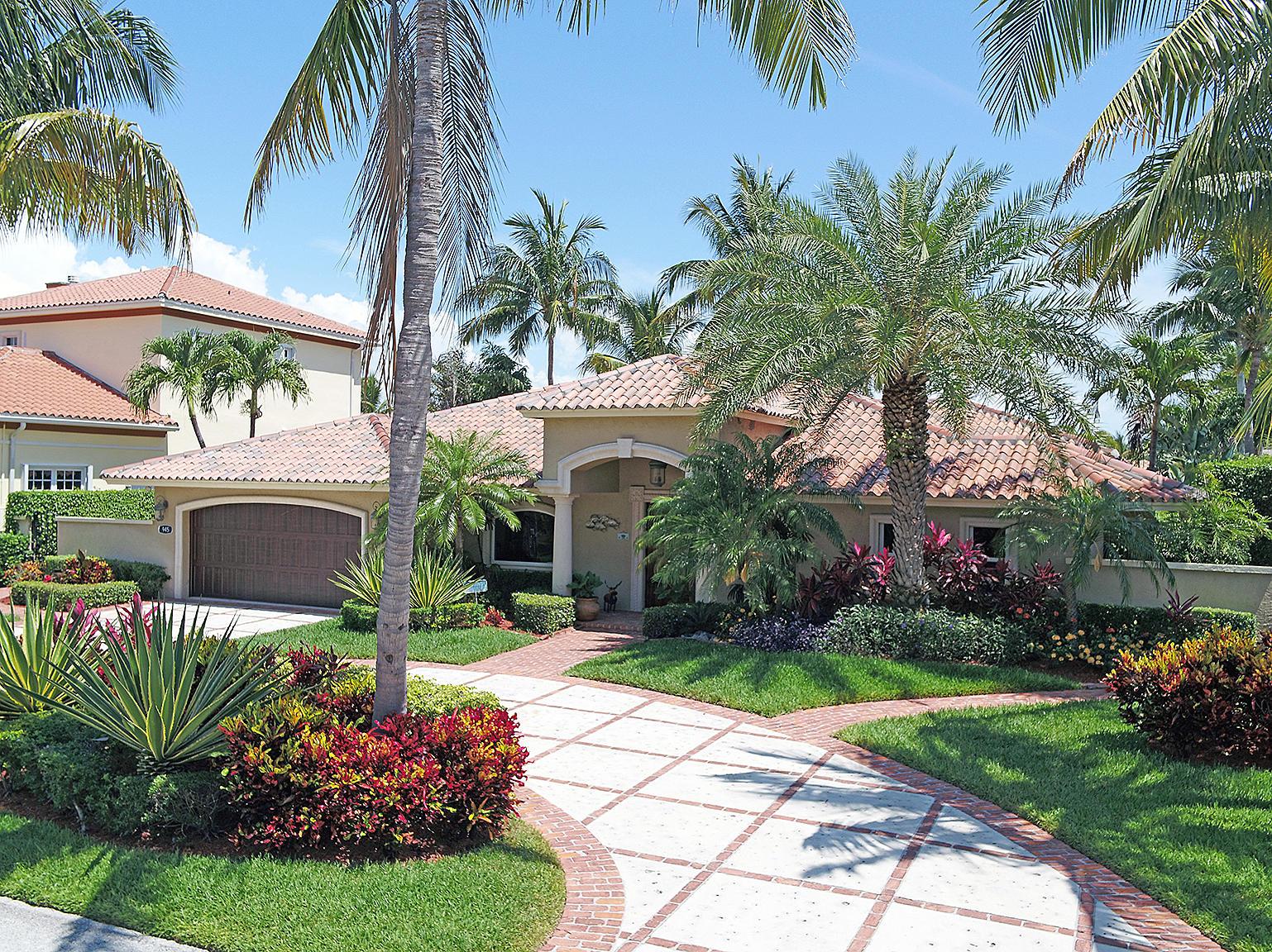 945 Tropic Boulevard, Delray Beach, Florida 33483, 4 Bedrooms Bedrooms, ,3 BathroomsBathrooms,Single Family Detached,For Sale,Tropic,RX-10537319