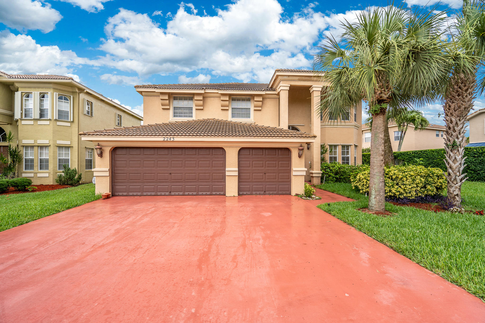 2243 Ridgewood Circle Royal Palm Beach, FL 33411