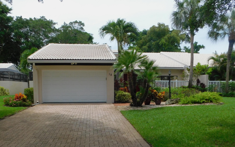 18 Villa Lane Boynton Beach, FL 33436