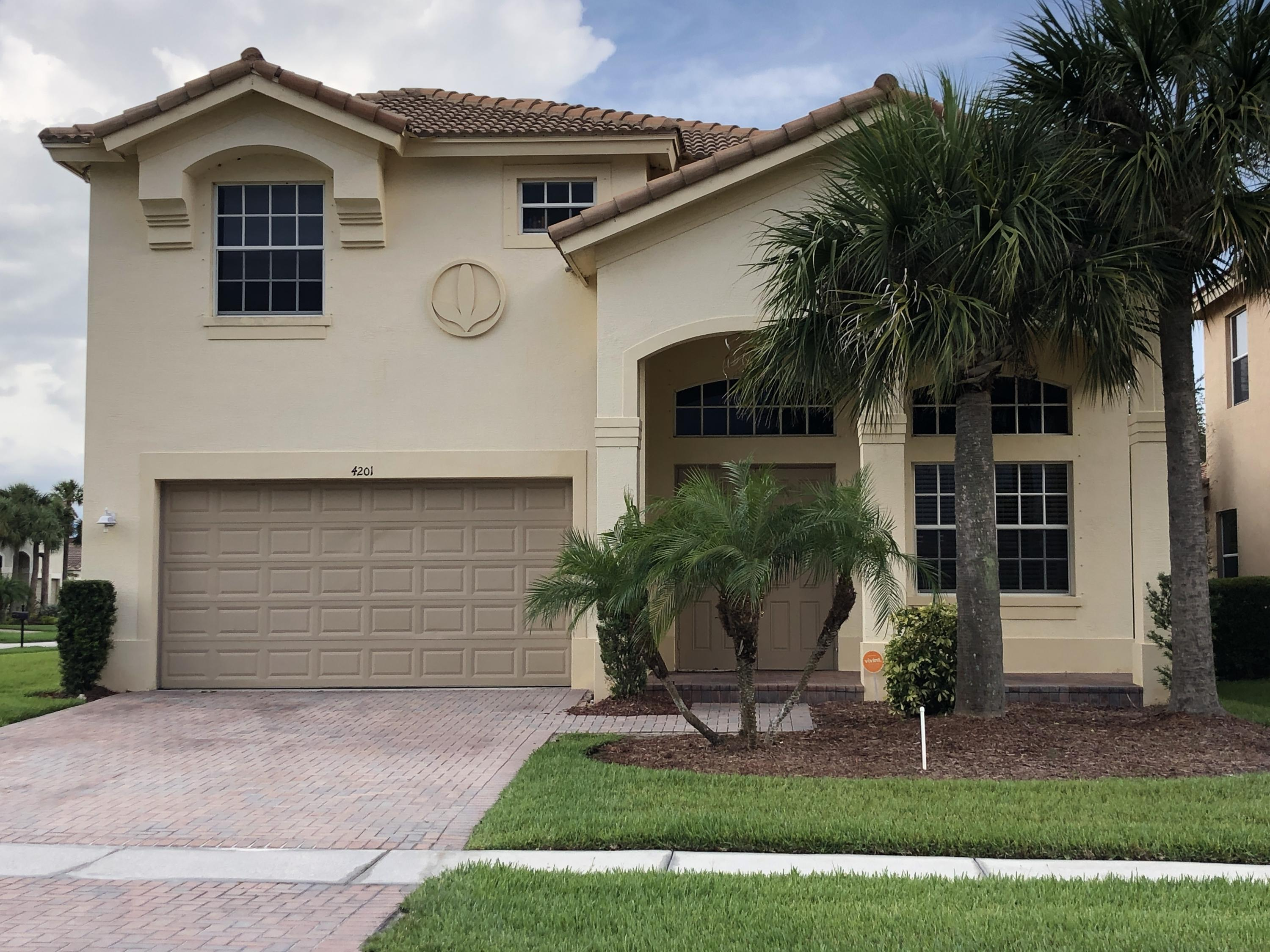 Photo of home for sale at 4201 Troon Place, Fort Pierce FL