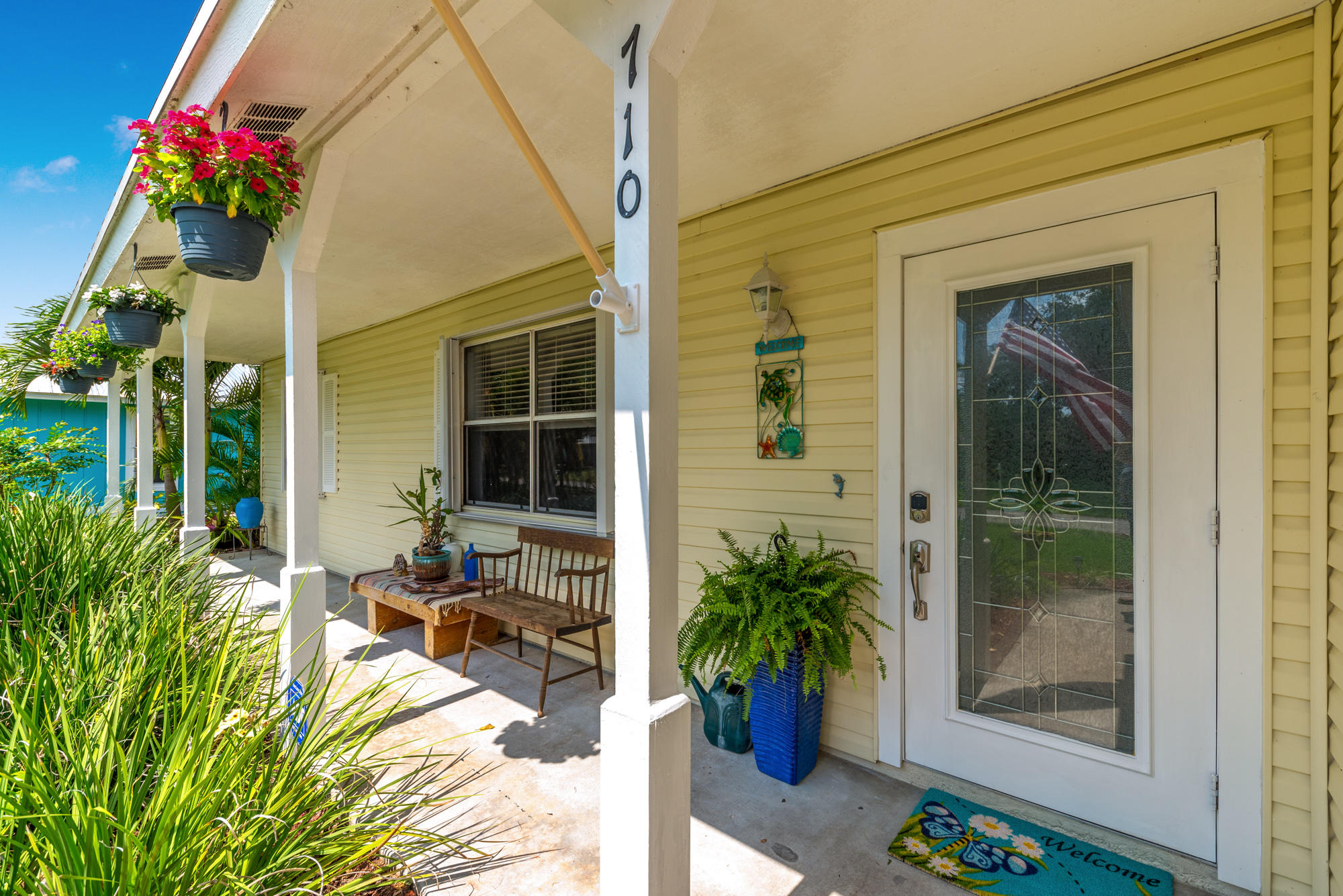Photo of home for sale at 710 Hibiscus Avenue SE, Stuart FL