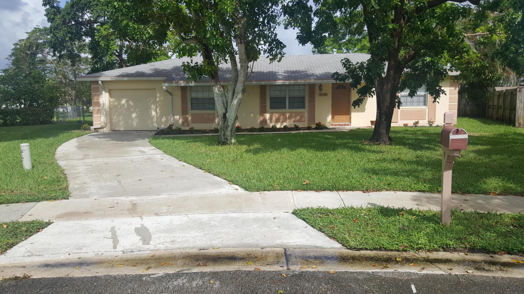 Photo of home for sale at 19390 Dakota Court, Boca Raton FL