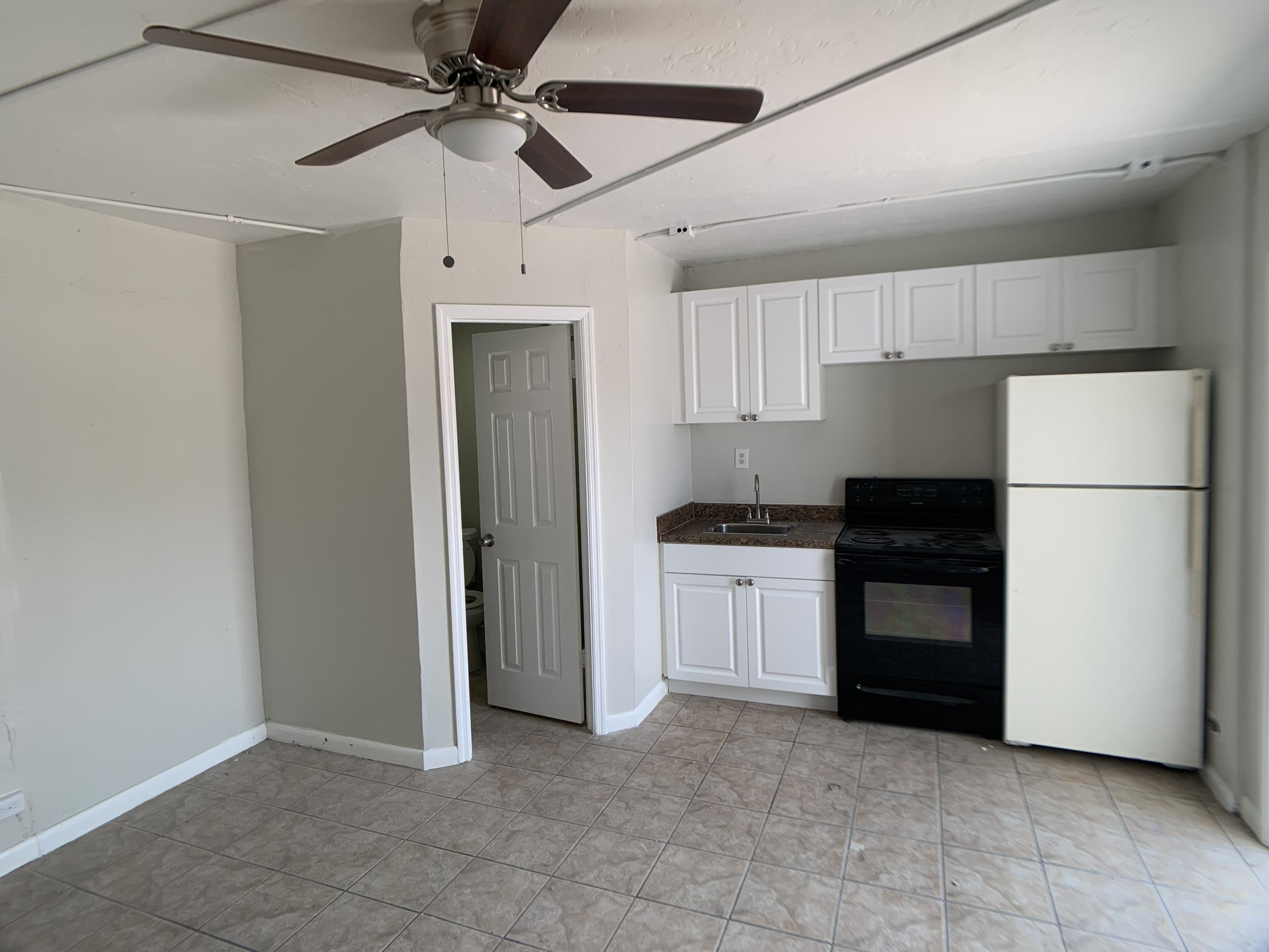 Photo of home for sale at 3300 Broadway Avenue, West Palm Beach FL