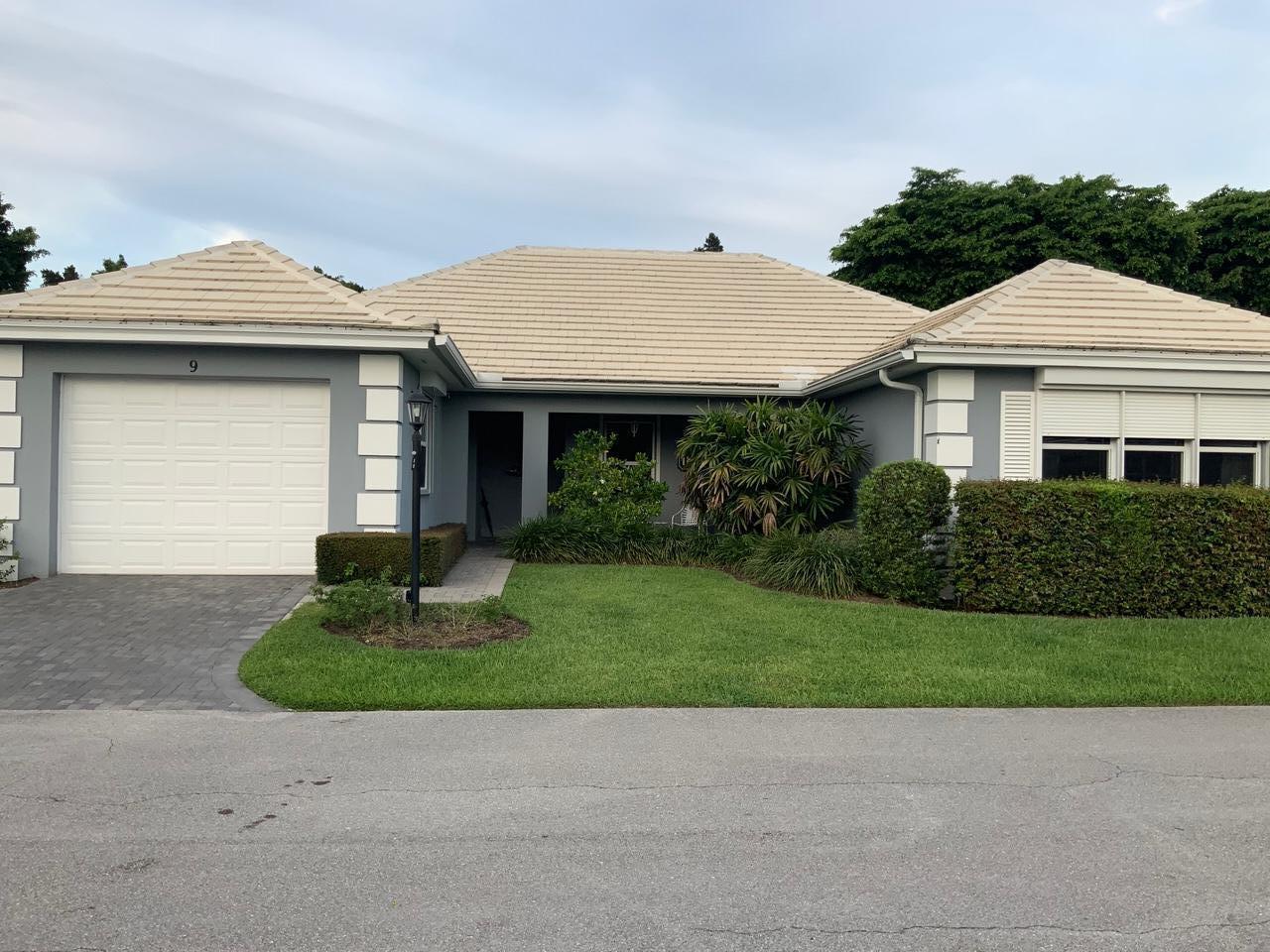 Photo of home for sale at 9 Bahia Drive, Boynton Beach FL