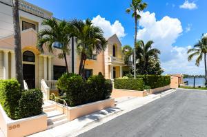 Villa Plati Townhomes