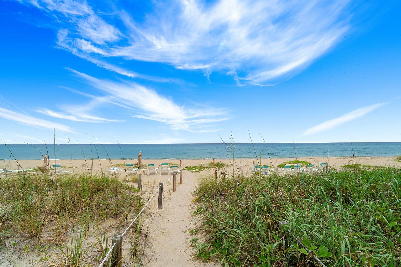 2560 S Ocean Boulevard 202 Palm Beach, FL 33480 photo 5