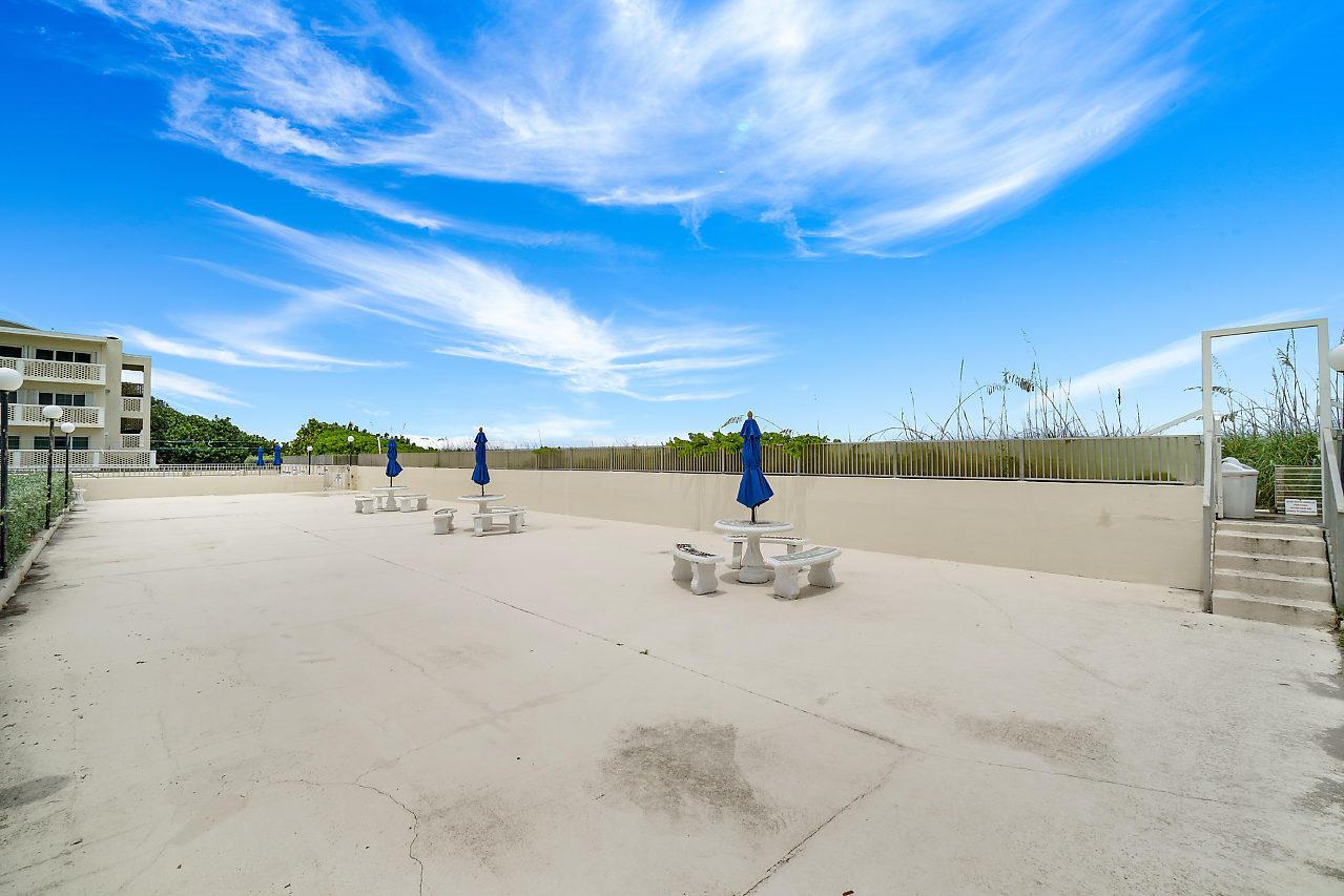 2560 S Ocean Boulevard 202 Palm Beach, FL 33480 photo 30