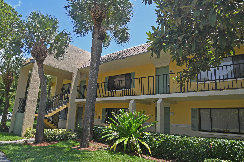 1113 Meadows Circle Boynton Beach, FL 33436