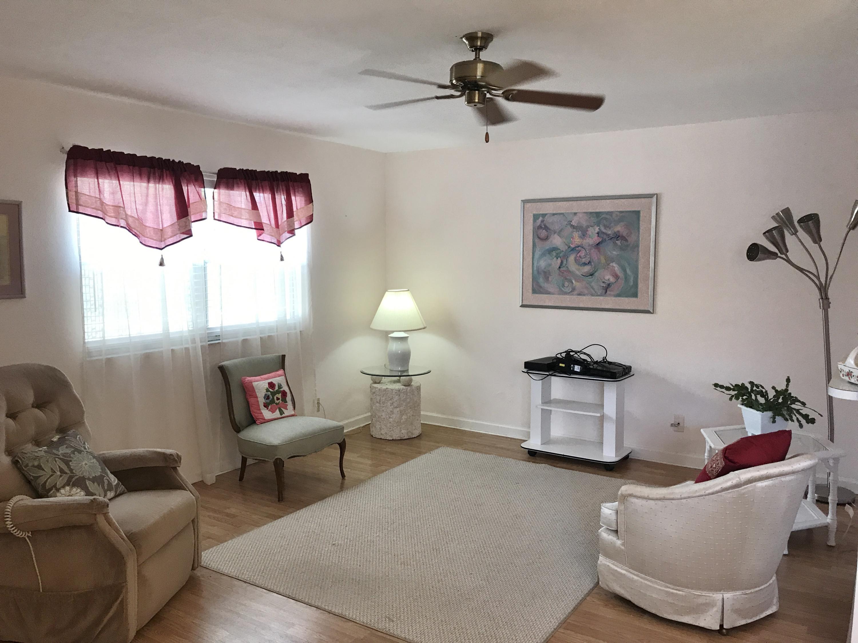 479 Brittany J  Delray Beach, FL 33446
