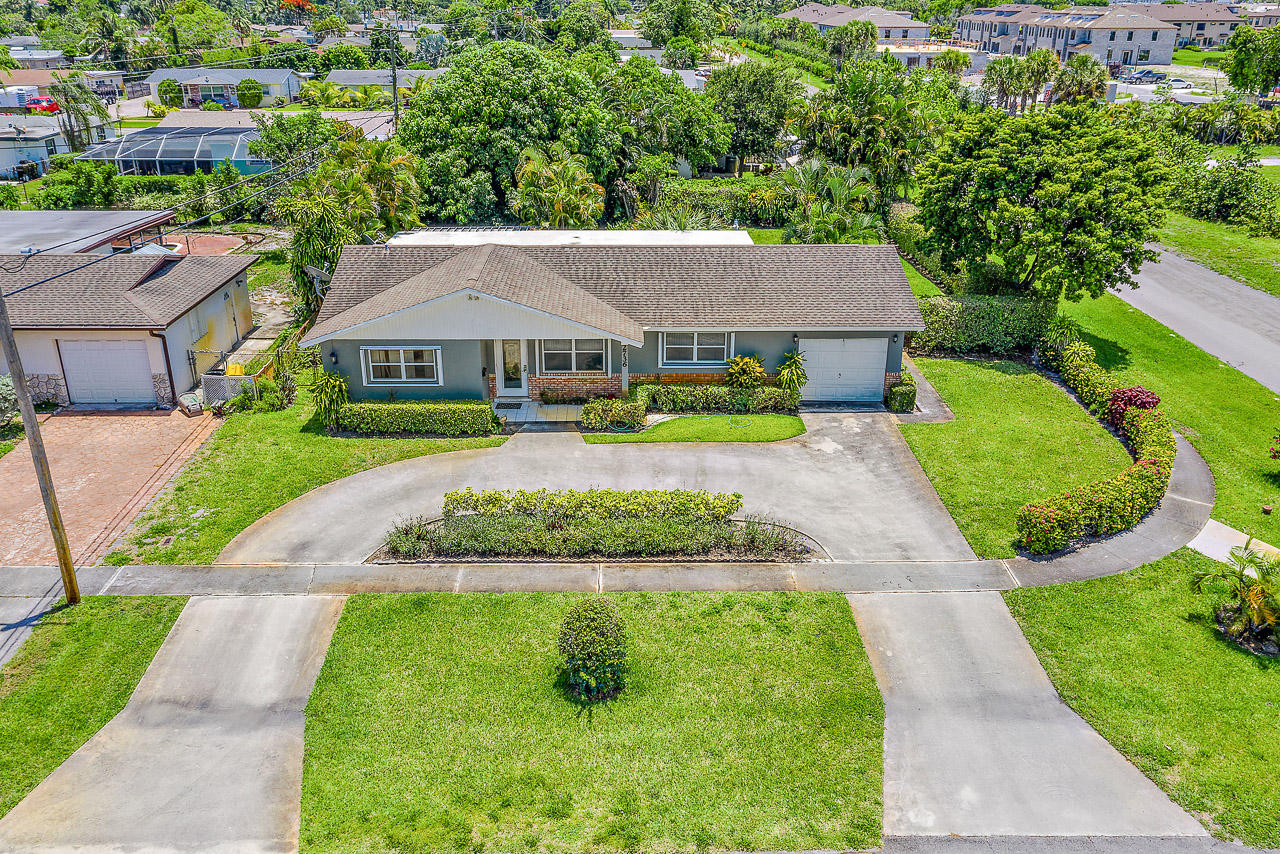 2736 Meadow Road West Palm Beach, FL 33406