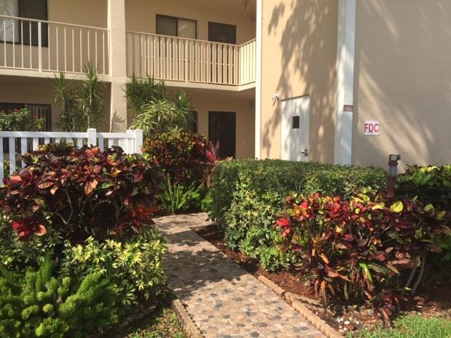 Home for sale in HUNTINGTON LAKES SEC THREE CONDOS Delray Beach Florida