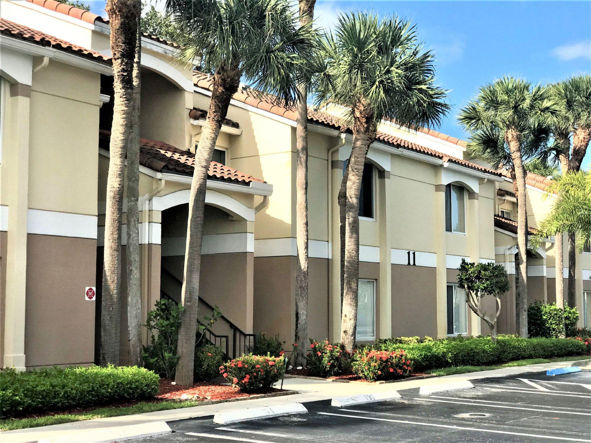 815 W Boynton Beach Boulevard 11-104 Boynton Beach, FL 33426