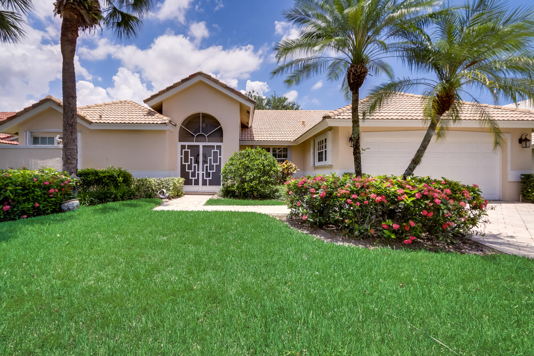 Home for sale in Lakeridge Greens Boynton Beach Florida