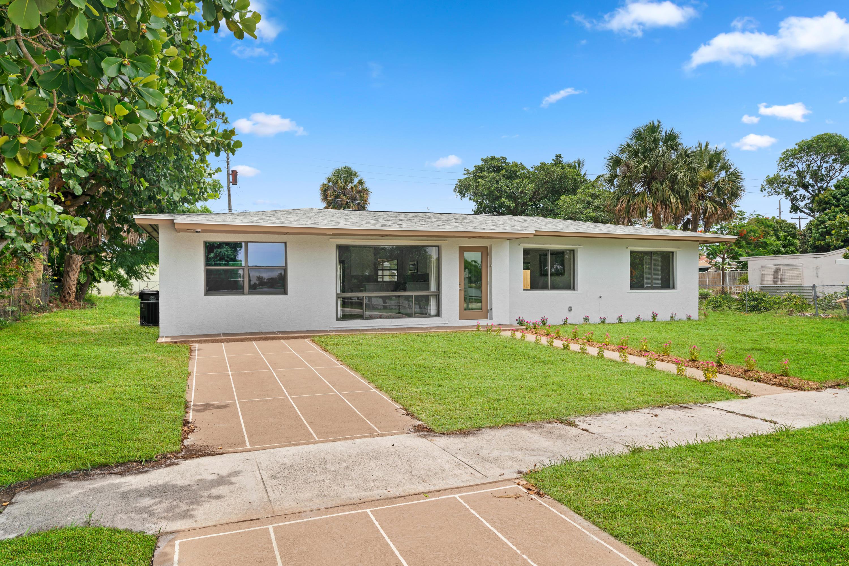 3520 Lake Osborne Drive Lake Worth, FL 33461
