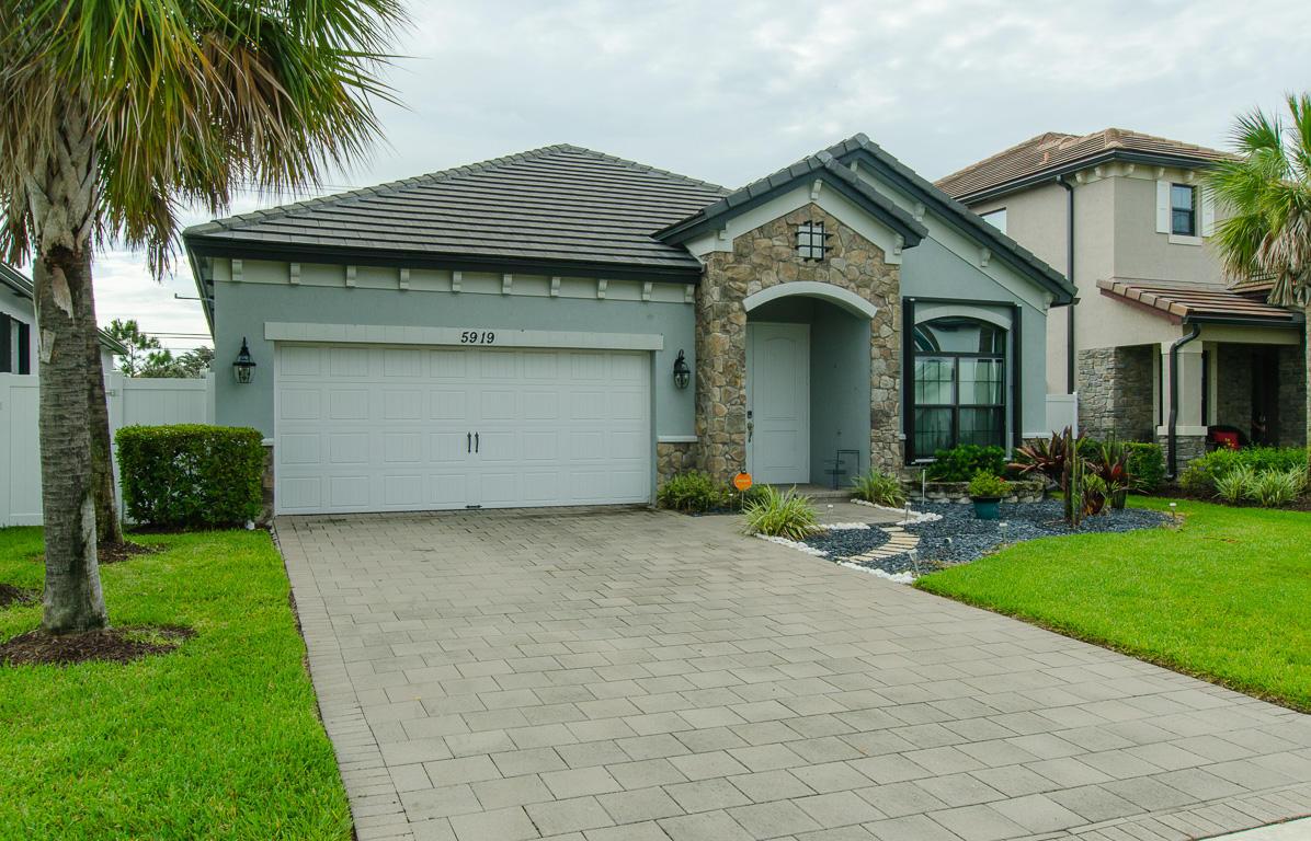 5919 Sandbirch Way Lake Worth, FL 33463