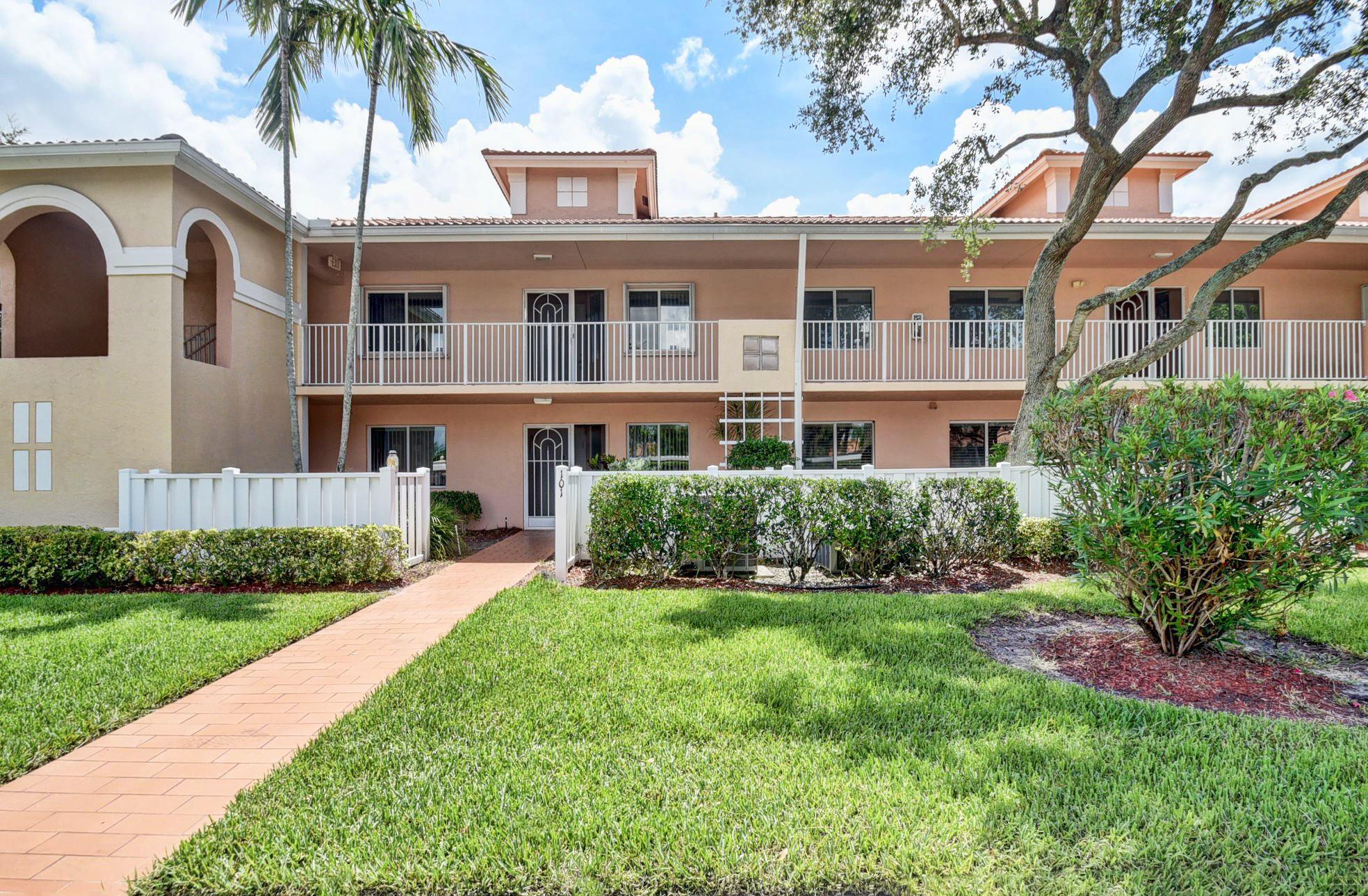 5876 Regal Glen Drive 202 Boynton Beach, FL 33437