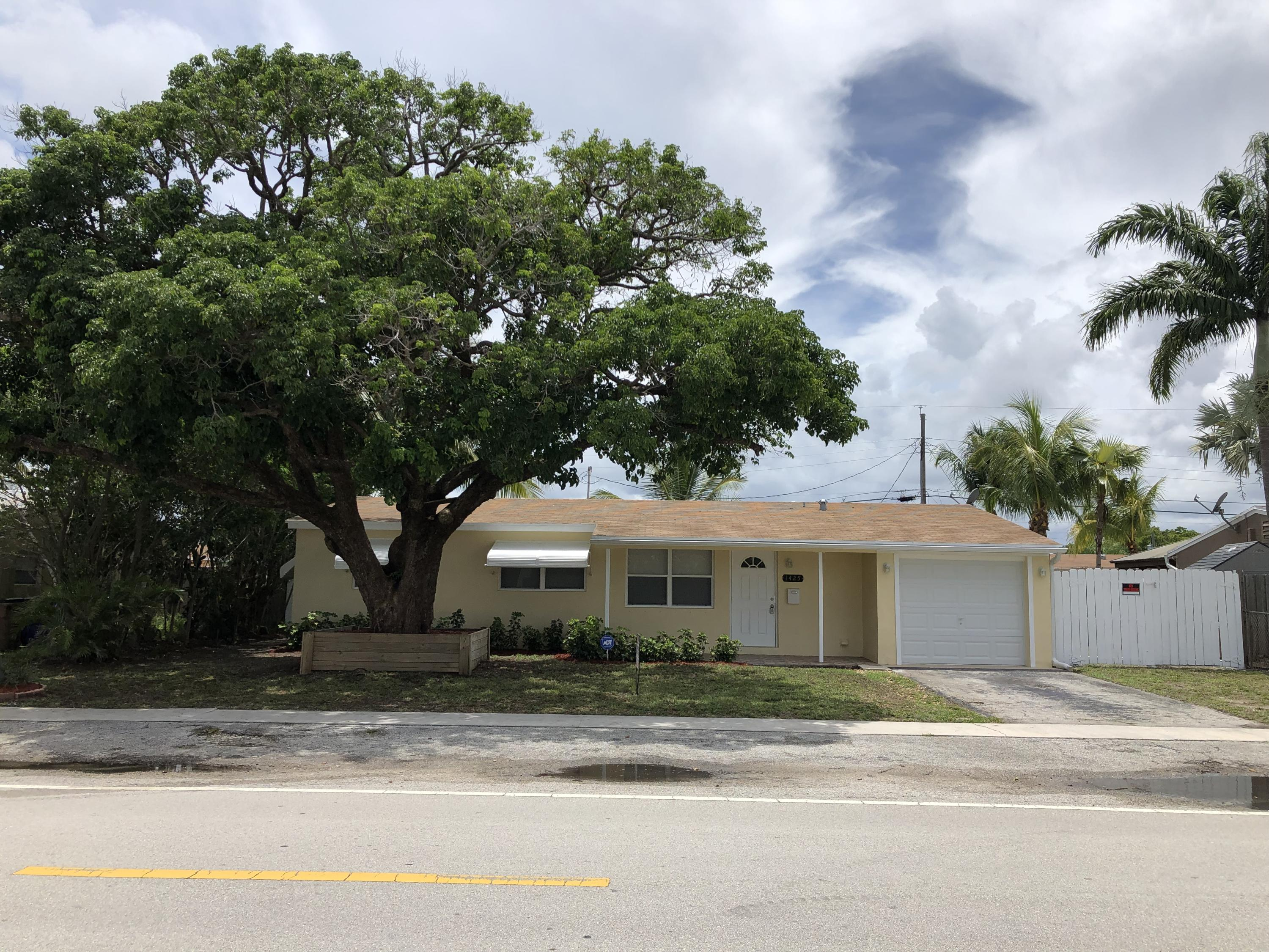 Home for sale in Coral Manor 50-5 B Deerfield Beach Florida