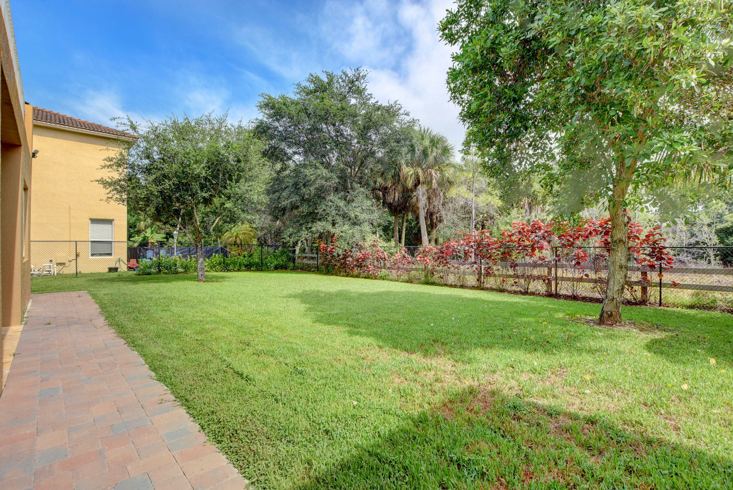 PALISADES WEST PALM BEACH REAL ESTATE