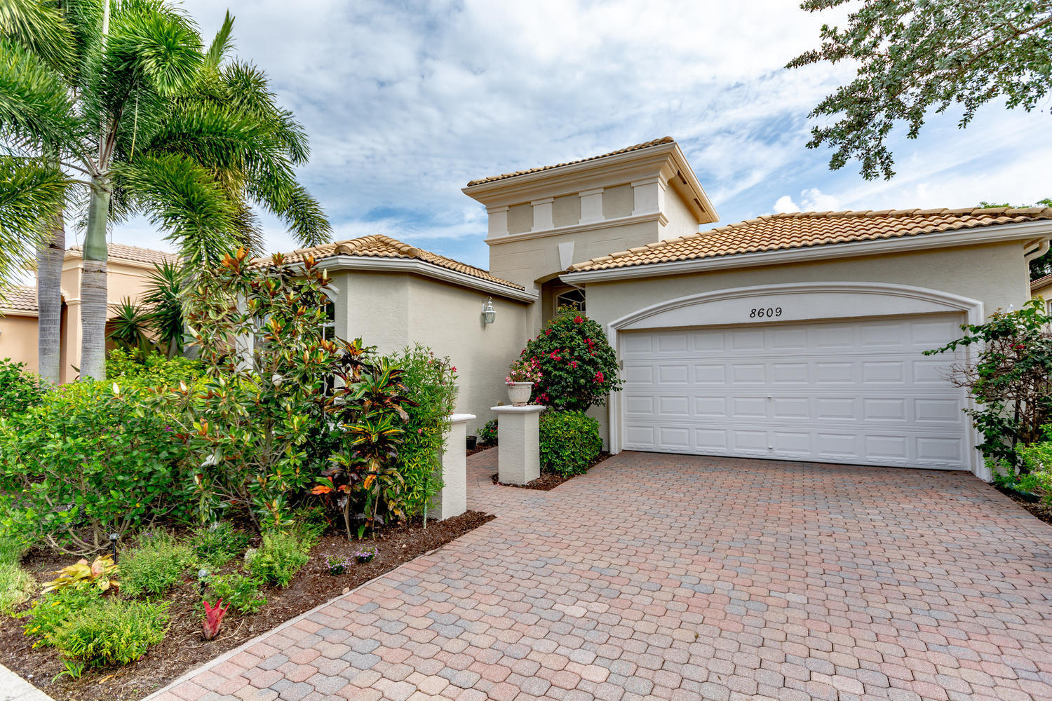 8609 Via Brilliante Wellington, FL 33411