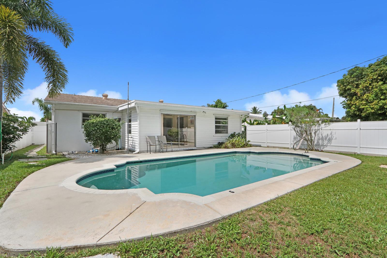 231 SW 9th Avenue  Boynton Beach FL 33435