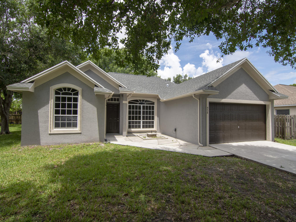 958 SE Proctor Lane, Port Saint Lucie, Florida