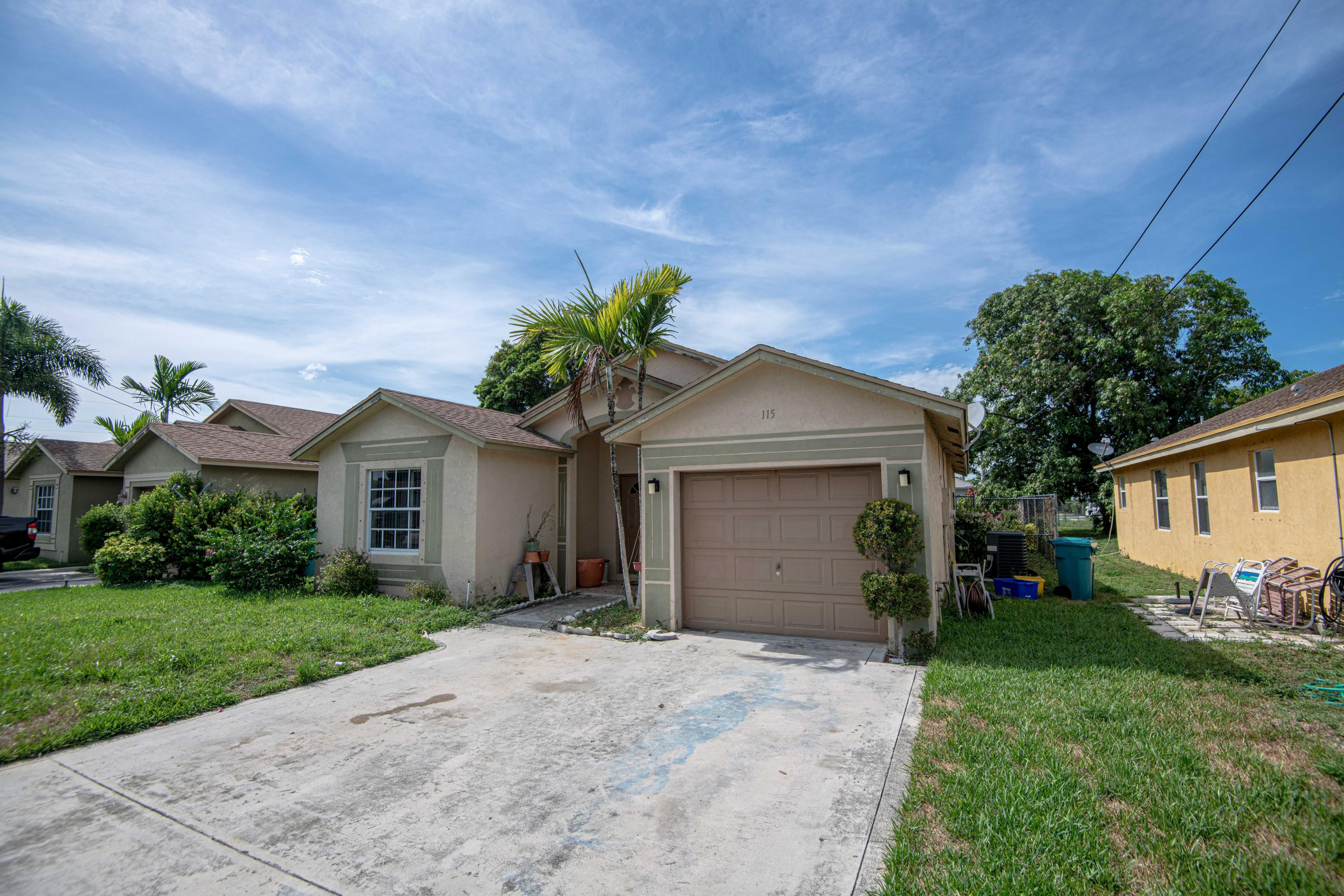 115 NE 11th Avenue  Boynton Beach FL 33435