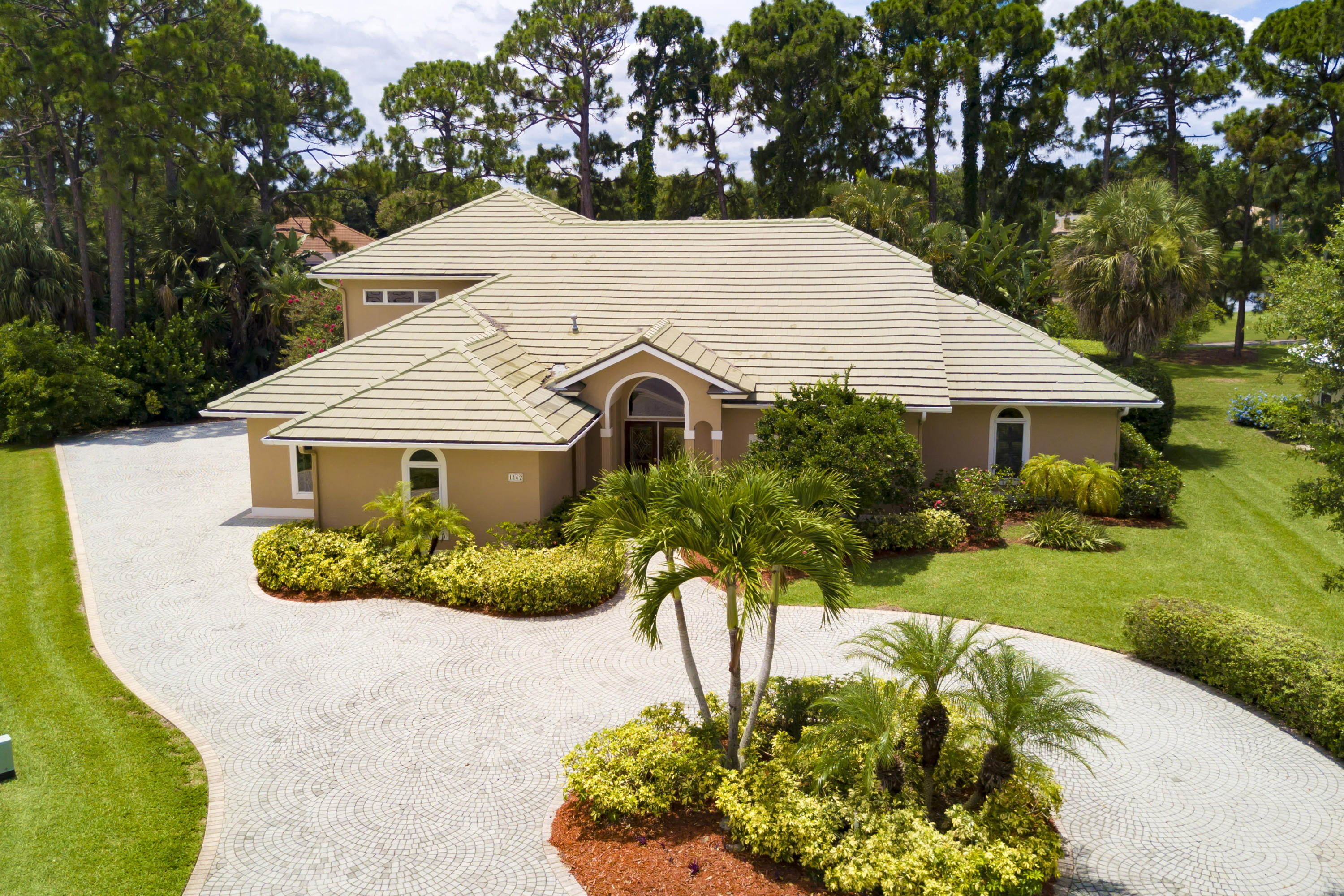 1162 SW Bent Pine Cove  Port Saint Lucie FL 34986