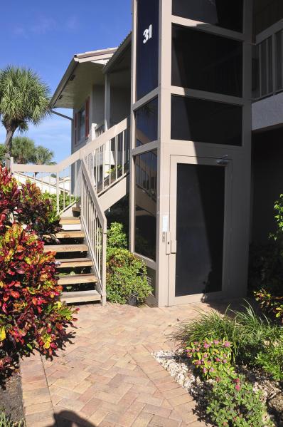 31 Eastgate Drive B Boynton Beach, FL 33436
