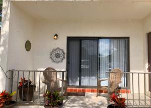 125 S Palmway  1 For Sale 10540185, FL