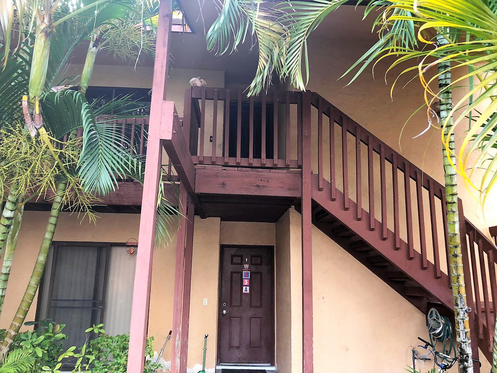 206 Lakeview Drive Royal Palm Beach, FL 33411