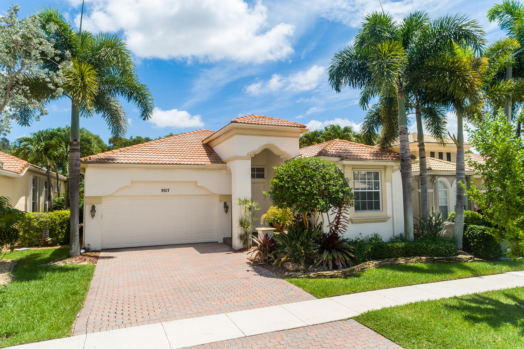 9517 Via Elegante Wellington, FL 33411