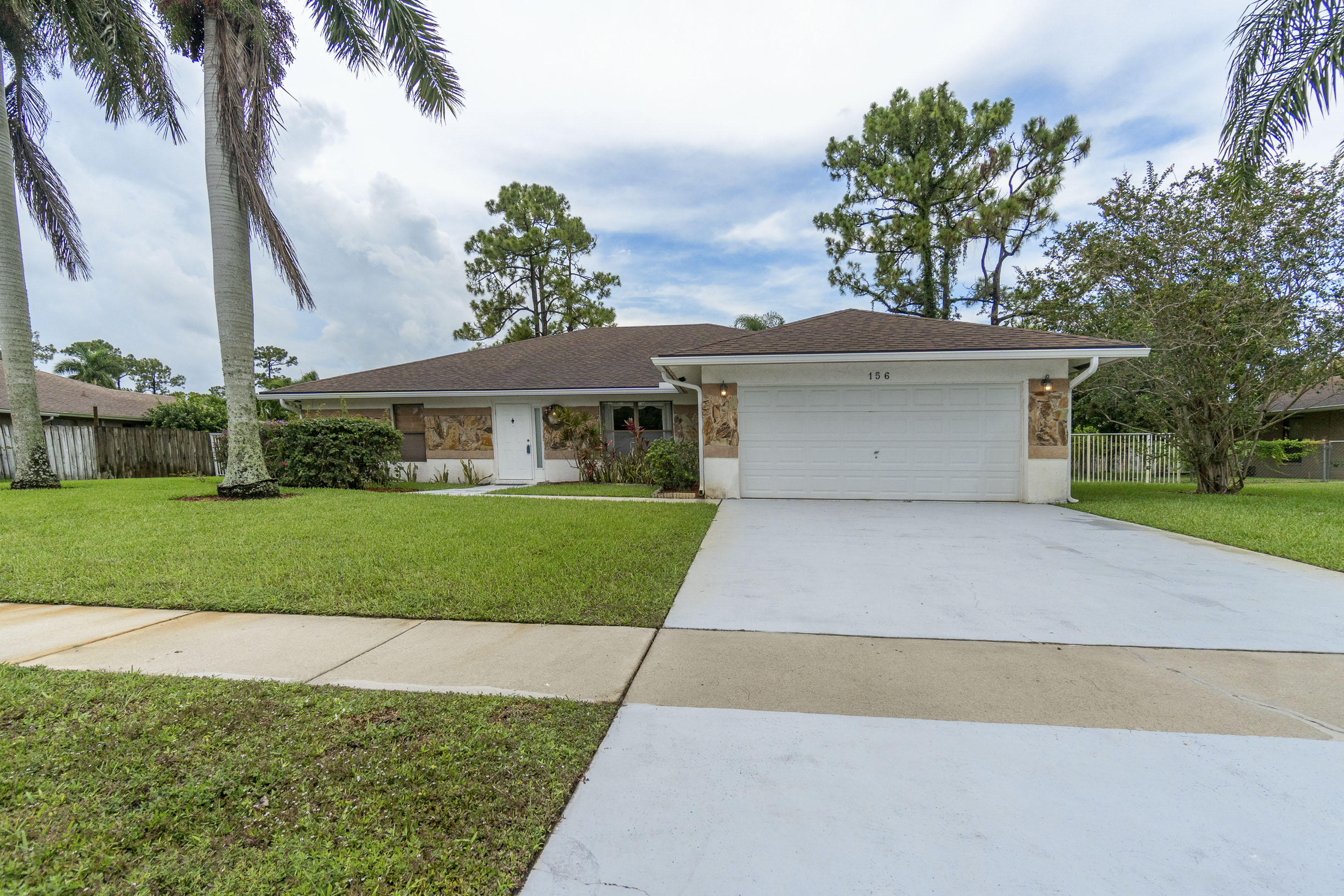 156 Sunflower Circle Royal Palm Beach, FL 33411