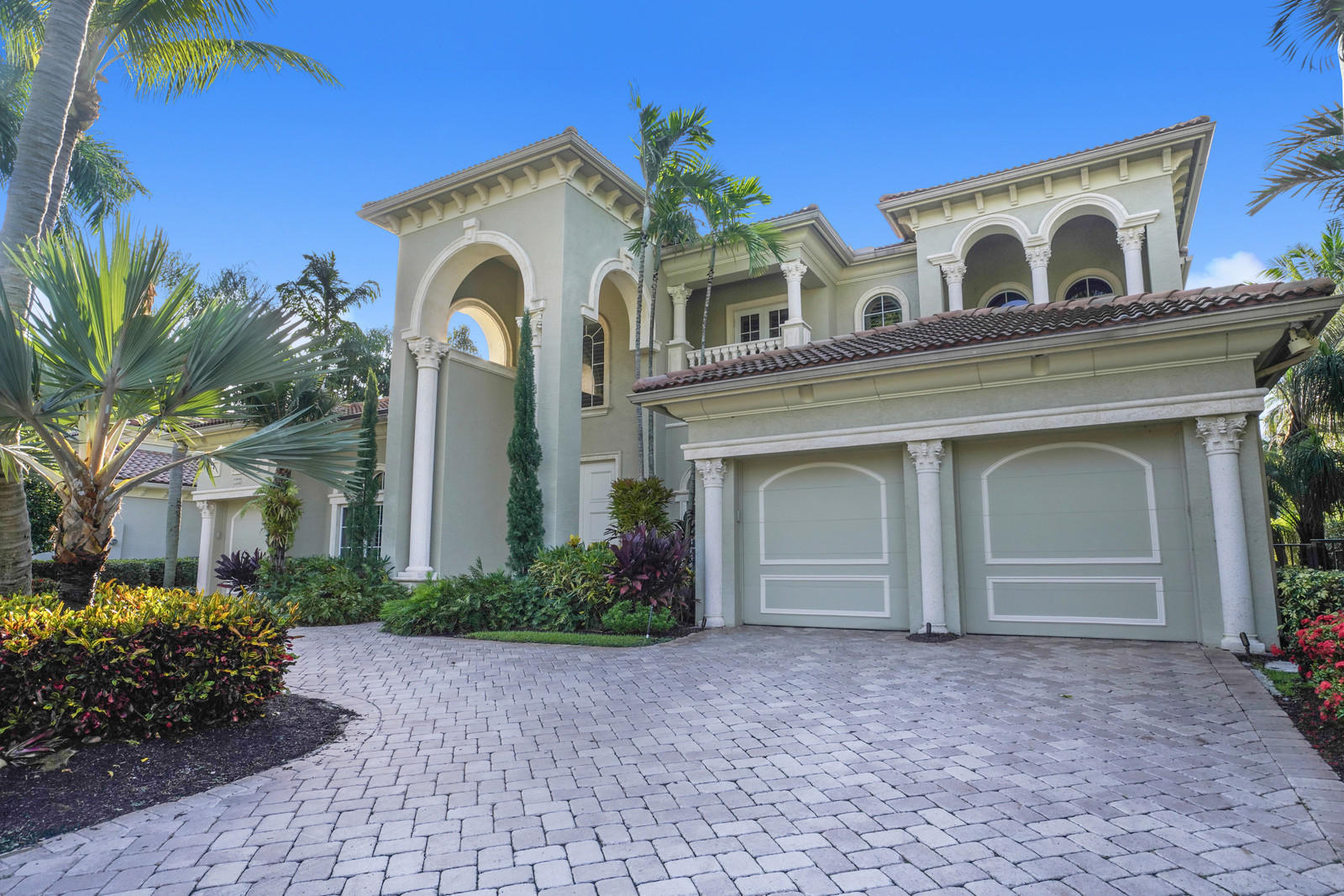 772 Harbour Isles Place, North Palm Beach, Florida 33410, 4 Bedrooms Bedrooms, ,4.2 BathroomsBathrooms,A,Single family,Harbour Isles Place,RX-10539530