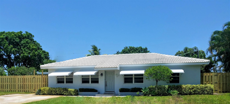 2209 E Pineridge Court  Delray Beach, FL 33444