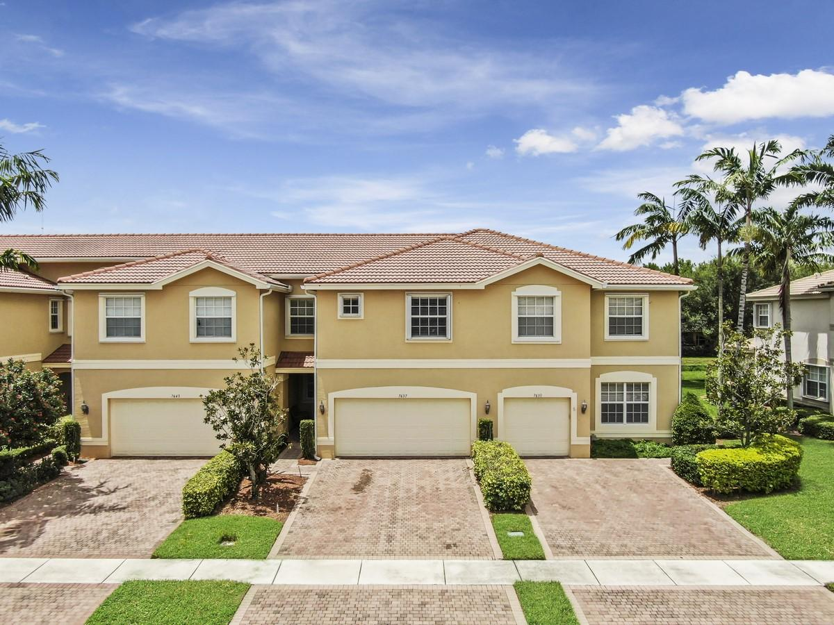 7637 Spatterdock Drive  Boynton Beach, FL 33437
