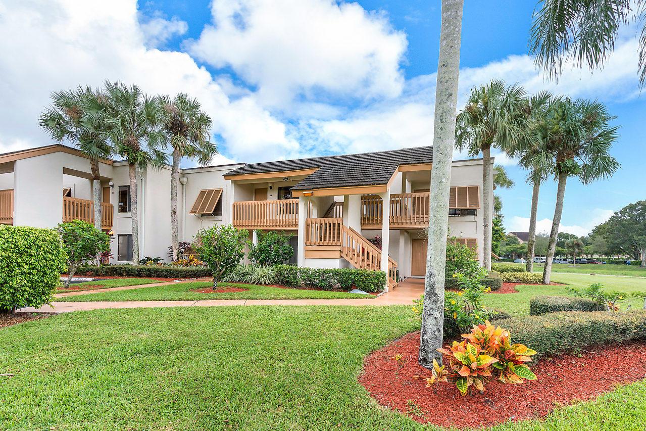 5400 Cedar Lake Drive 105 Boynton Beach, FL 33437
