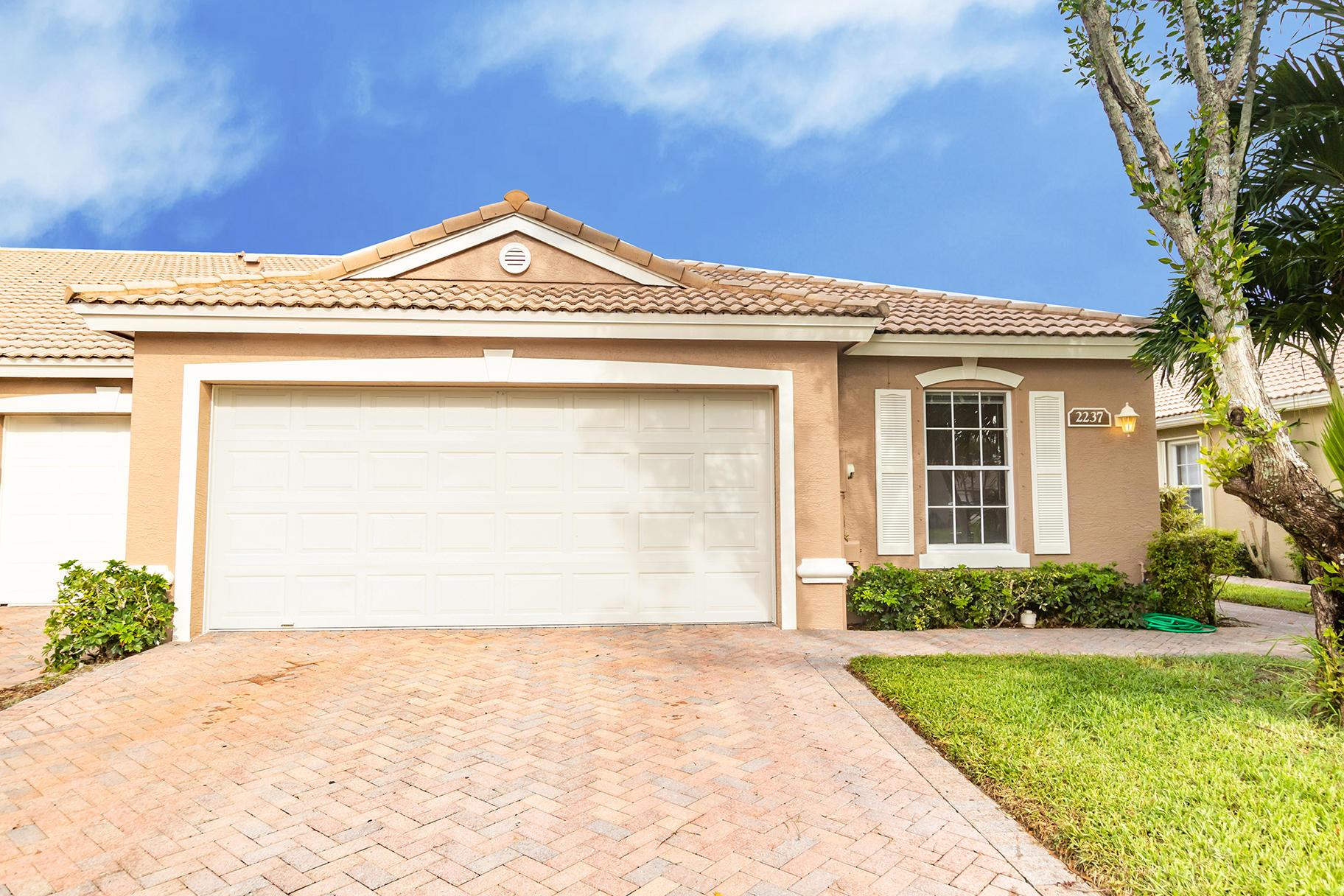 2237 Chickcharnies West Palm Beach, FL 33411